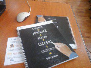 Educație pentru Justiție și Democrație –un program de formare cetăţenească în şcoli