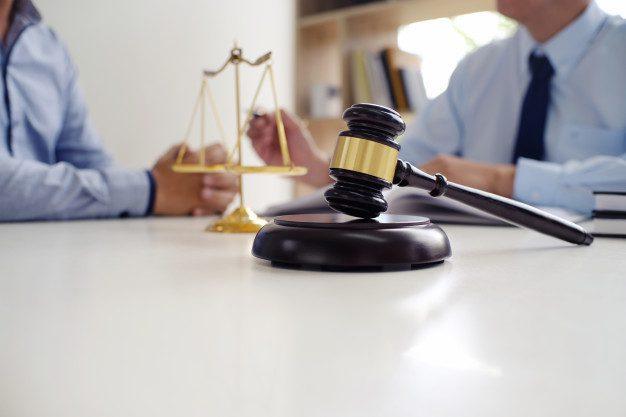 Consolidarea dreptului de a fi prezent la proces în cadrul procedurilor penale