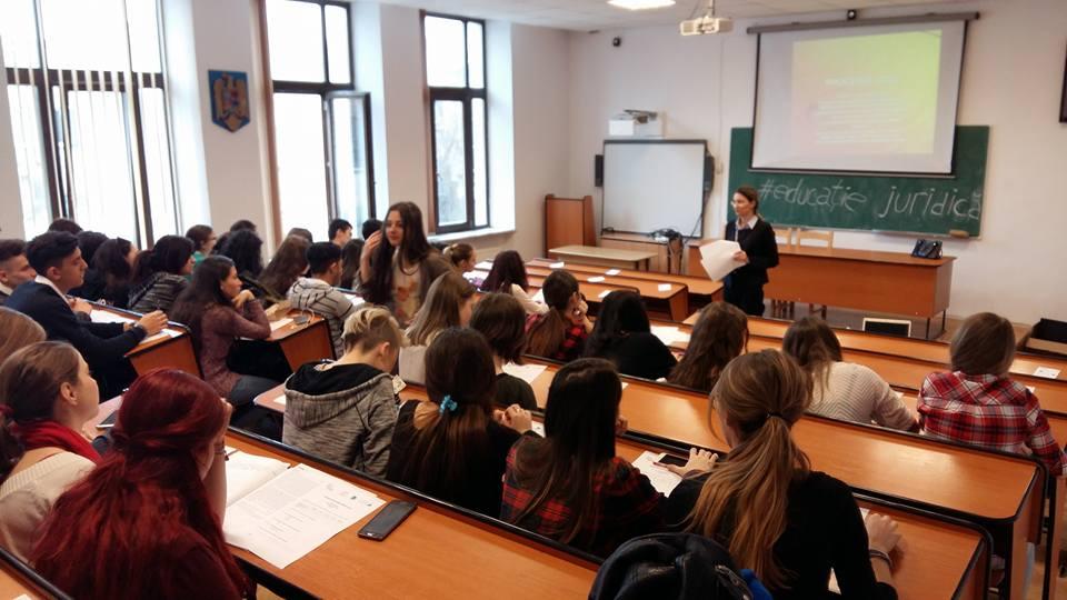 Educație juridică în școli